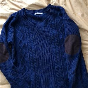 Super cozy knit sweater with elbow patches